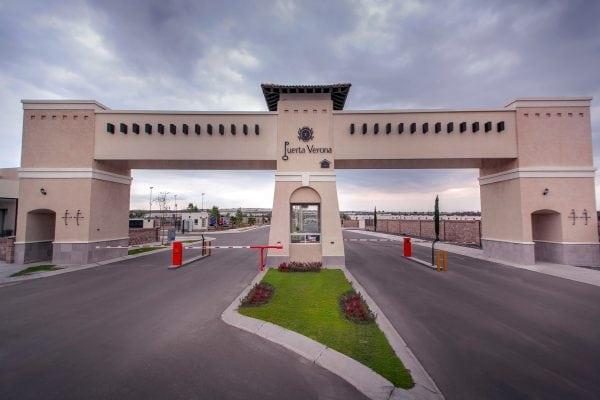 Puerta Verona acceso principal 1